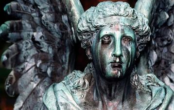 estatuas_Cementerio_angeles