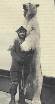 Miss-Boyd-med-isbjørn