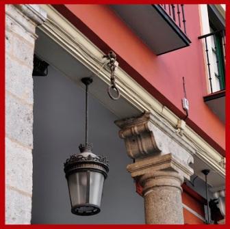 249 1 Argolla en Plaza del Ochavo-Valladolid.jpg